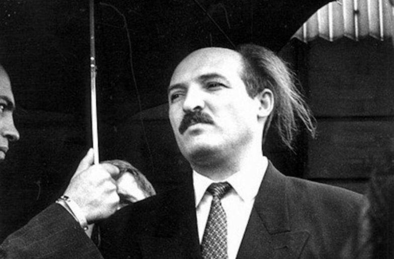 Над попытками Александра Лукашенко прикрыть лысину не смеялся только ленивый... политики, прически, смешно, удивительно