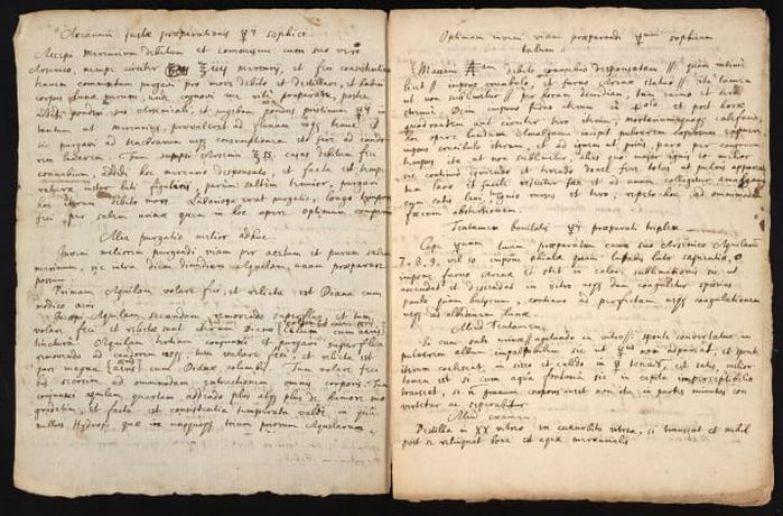 Ньютон собственноручно переписал текста американского алхимика Джорджа Старки.