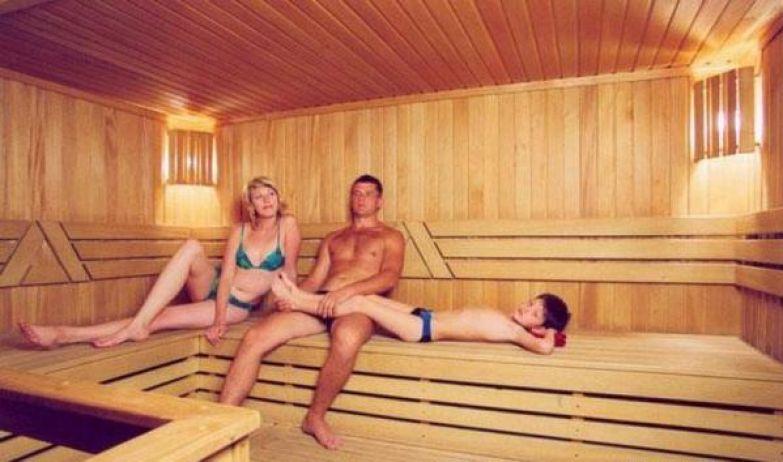 v-saune-zheni-s-muzhyami-foto-hudozhestvennie-filmi-s-tsenami-orgii