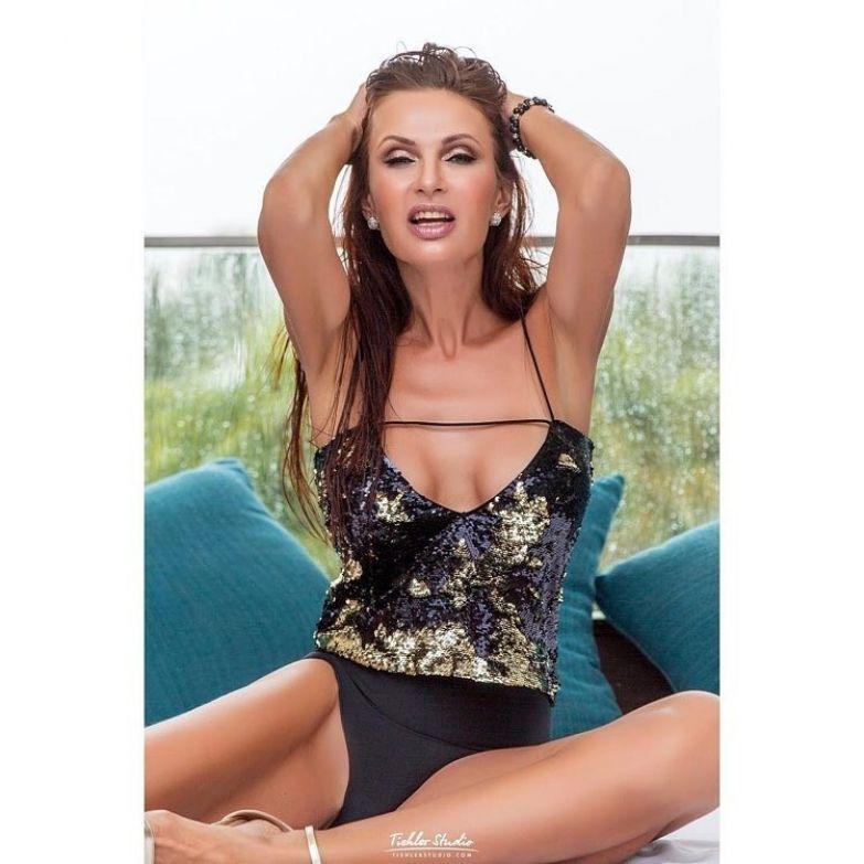 47-летняя Эвелина Бледанс все так же прекрасна, как и раньше Эвелина Бледанс, ведущая, красота