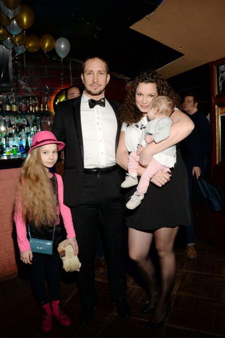 Данко в бывшему избранницей Наталией и дочерьми