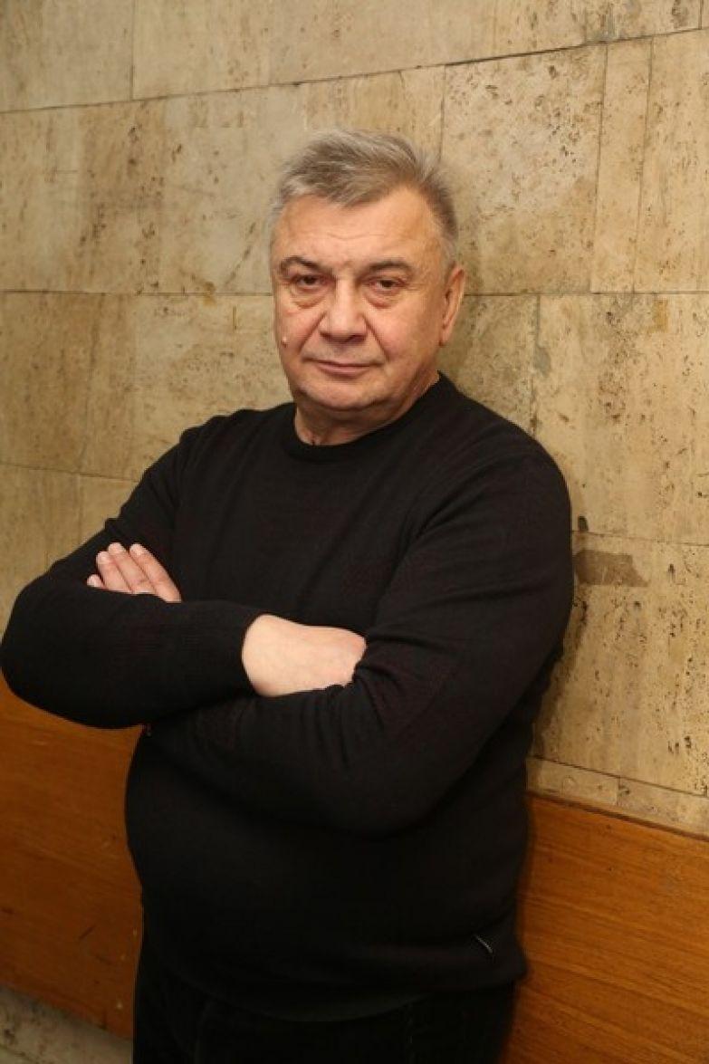 Сергей чаще всего играет роли второго плана
