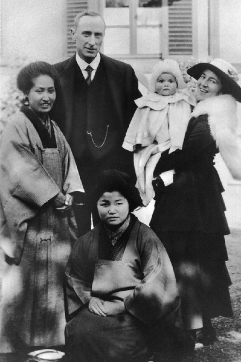 Оливия Мэри де Хэвилленд родилась в Токио
