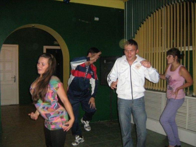 Танцуй, пока молодой! деревня, дискотека, клуб, прикол, село