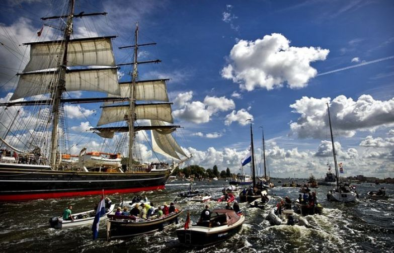 Фото с Sail-in парада на Sail Amsterdam 2010.