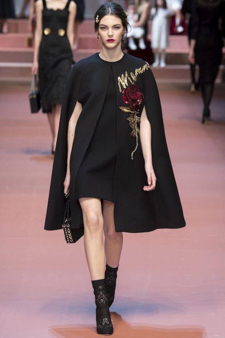 Как модно носить кейп?