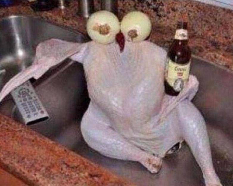 Курица, которая продолжает получать удовольствие. like a boss, прикол, юмор