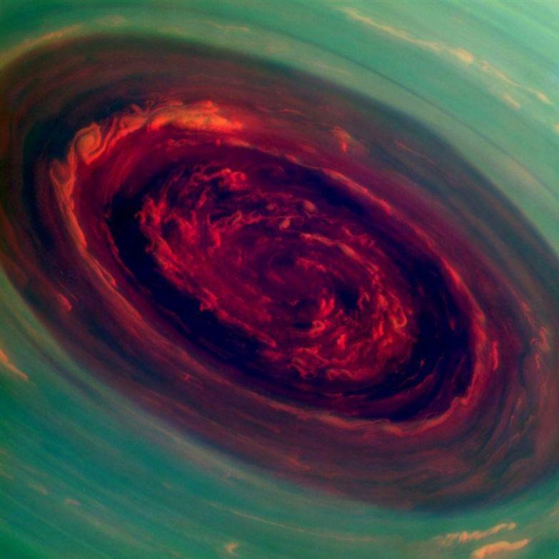 2. Северный полюс Сатурна во время шторма люди, мир, фотоподборка