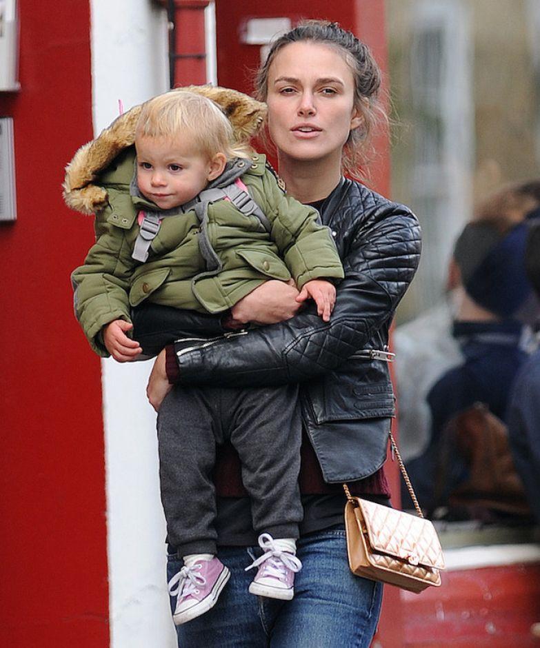 Кира Найтли с дочерью Эди