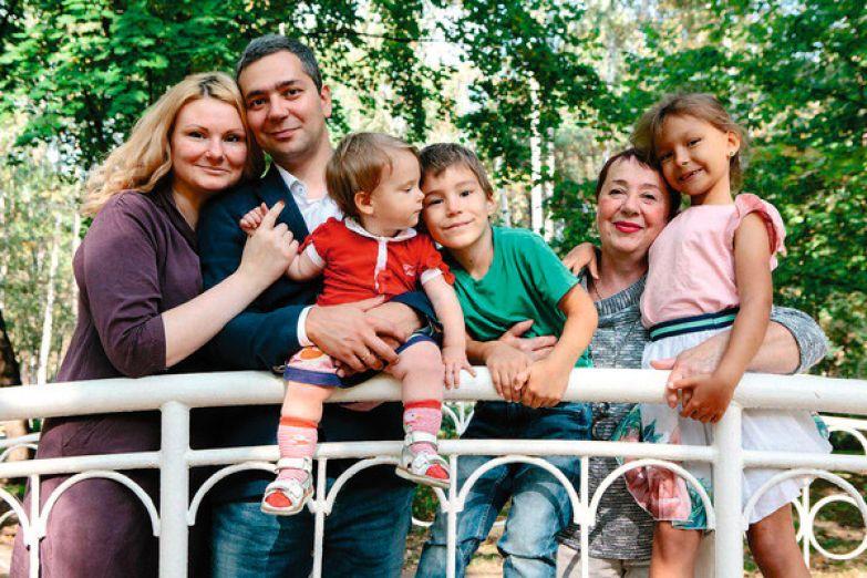 Полина с семьей с удовольствием смотрят новые выпуски знаменитого киножурнала