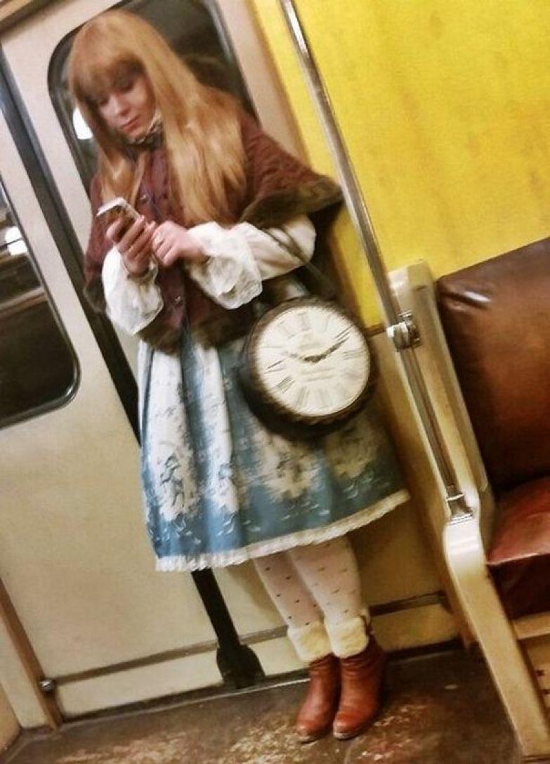 19. Алиса в стране Метро люди, метро, мода, настроение