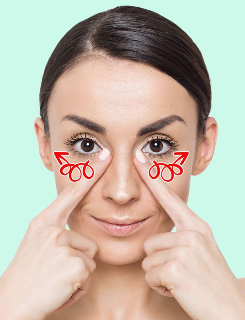7 упражнений против морщин, которые сотрут годы с вашего лица