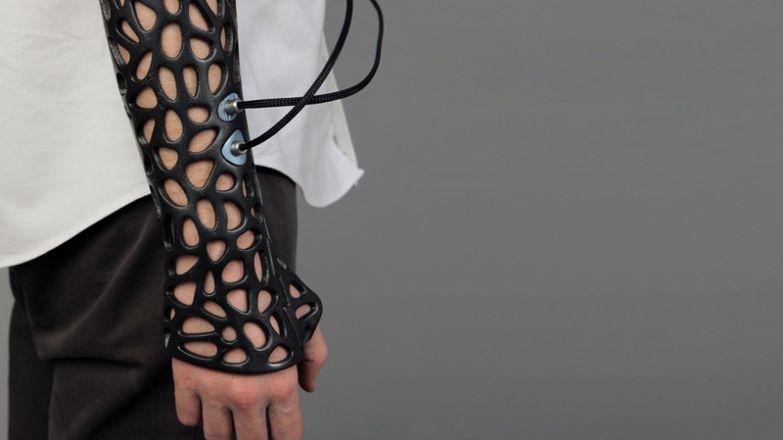 12. Напечатанный на 3D принтере «гипс», который при помощи ультразвука сращивает кости на 38% быстрее: интересные фото, удивительное рядом, факты