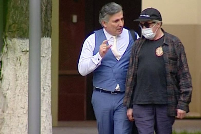 Адвокат поддерживает Ефремова