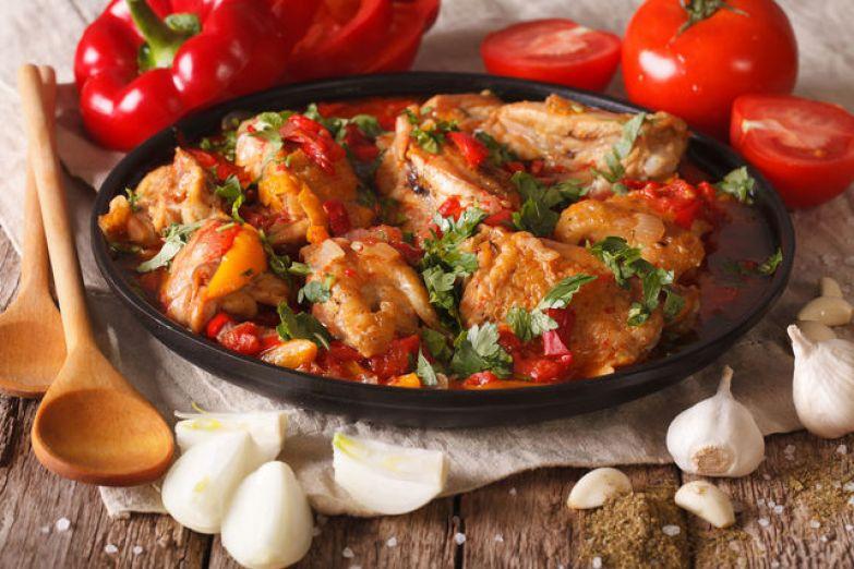 Дайте чахохбили настояться 15 минут — курица напитается ароматами и станет потрясающе вкусной