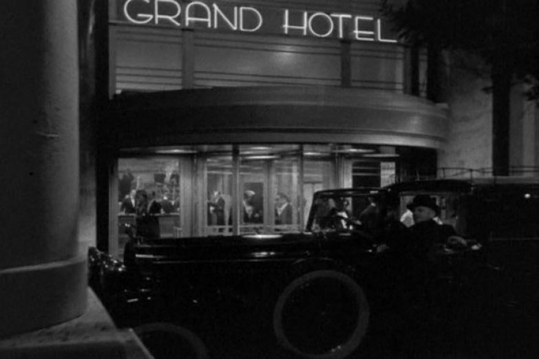 11 фильмов про отели