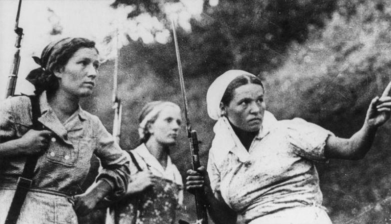 Три советские женщины-партизанки