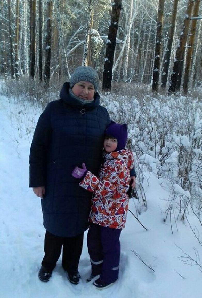 Анастасия Кудашова с внучкой Машей