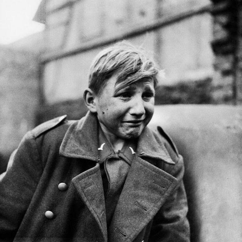 15-летний немецкий солдат расплакался, узнав о захвате Германии армией союзников