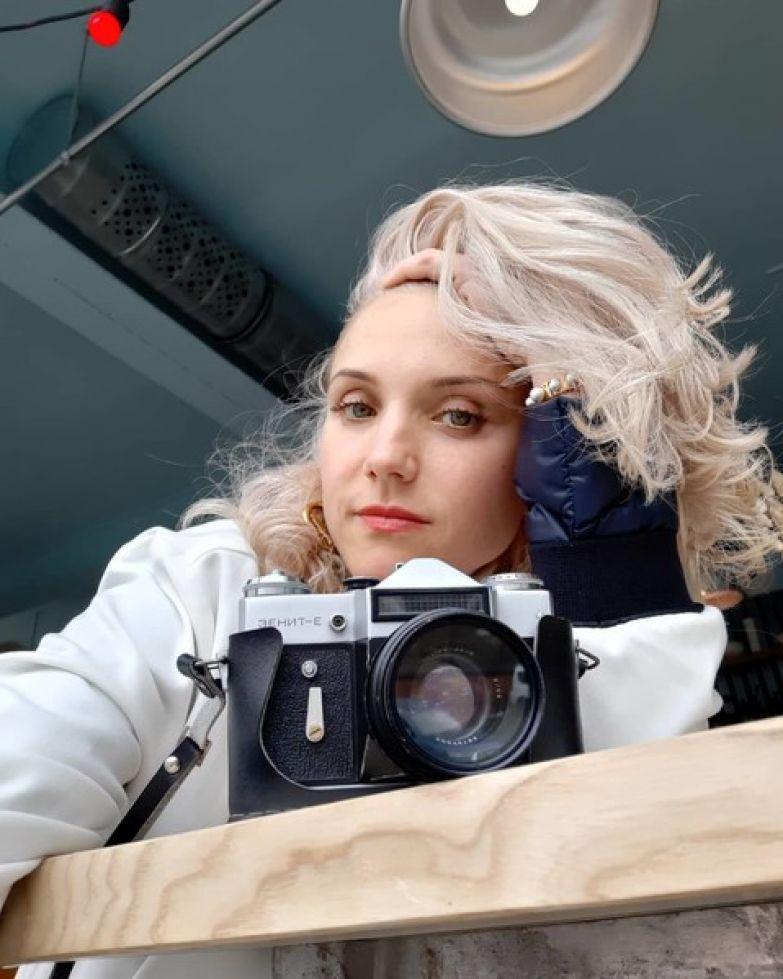 Ирина Тонева увлекается музыкой в стиле электро-поп