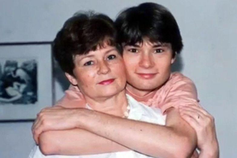 Художница Елена Никитина подарила Гафту сына