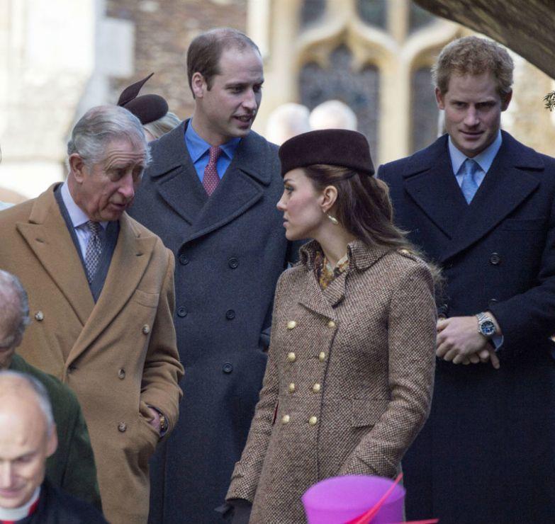 13 правил британской короны которые не не по зубам даже королеве британия, правила