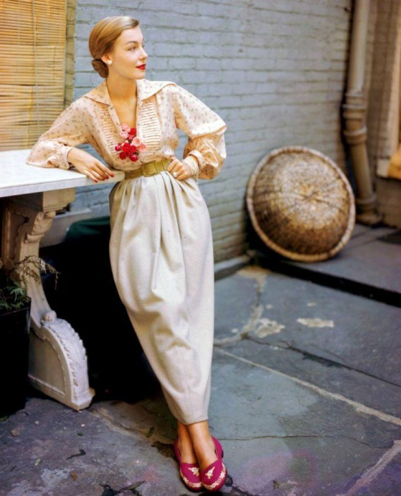 Модель в одежде от Джосет Уокер, 1949 год.