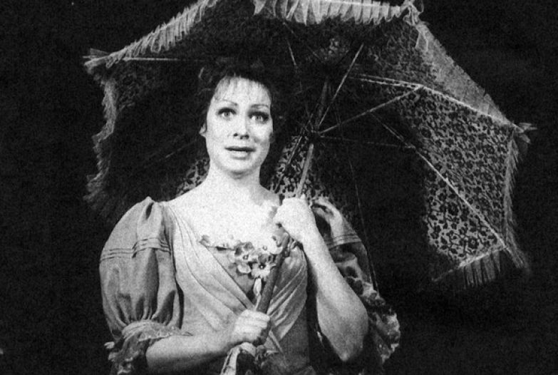 Мария Аронова предпочла карьеру артистки раннему замужеству