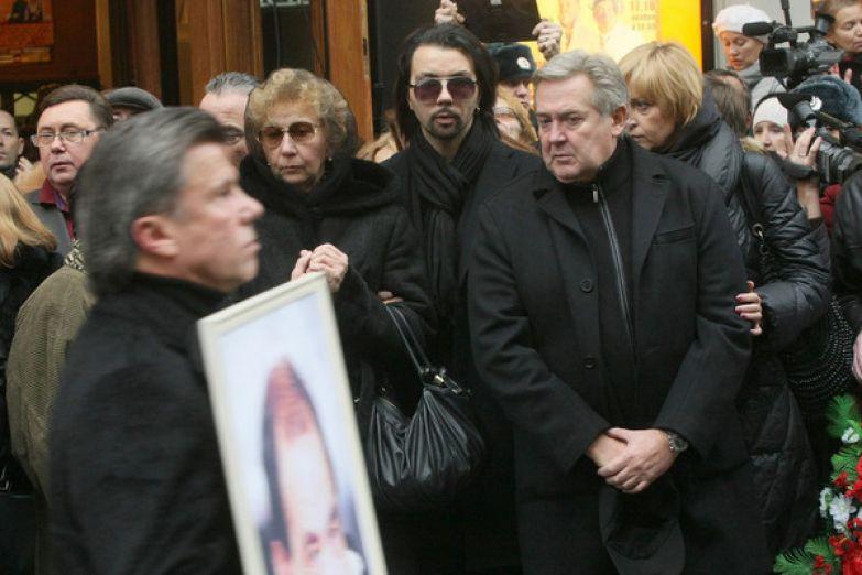 Одним из главных испытаний для Стоянова стала смерть близкого друга, Ильи Олейникова
