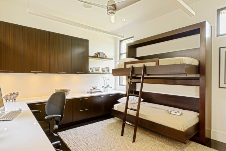 Да и сами эти кровати можно организовать таким образом, что они будут складываться в стену, например двухъярусная кровать, дизайн, идеи, маленькая квартира