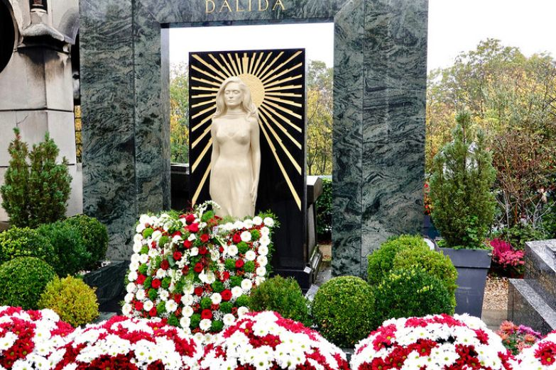 Звезду похоронили на кладбище Монмартра