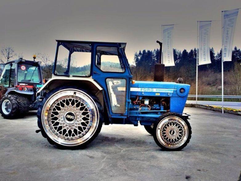 Трактор с литьём… оригинально. Тракторы, автобусы, автомобили, грузовики, тюнинг