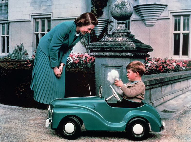 Королева Елизавета и принц Чарльз
