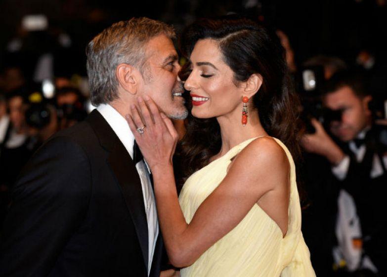 Амаль и Джордж Клуни на премьере в Каннах (2016)