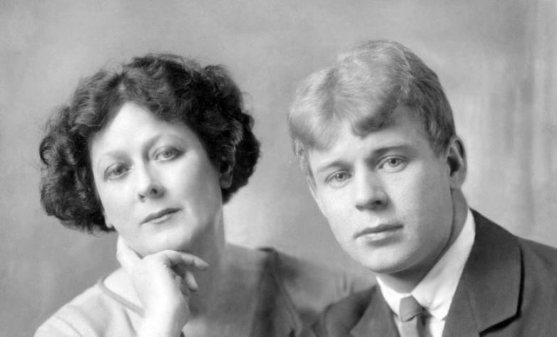 Сергей Есенин и его вторая жена, танцовщица Айседора Дунканан во время путешествия по Европе. Берлин, 1922 год.