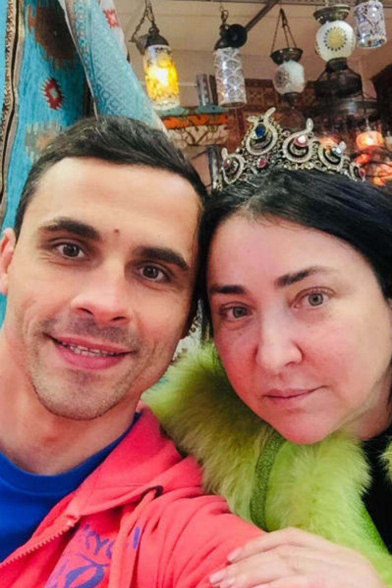 Поклонники подозревают, что Дмитрий использовал Лолиту