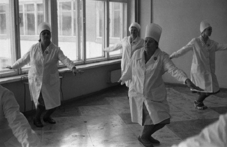 Соревнования по производственной гимнастике. Школа № 62, Новокузнецк, 10 апреля 1983 года.