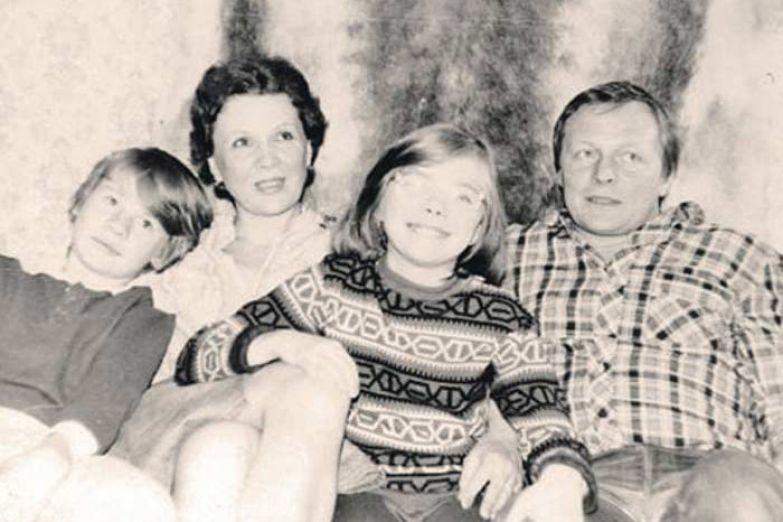 Владислав Галкин с семьей