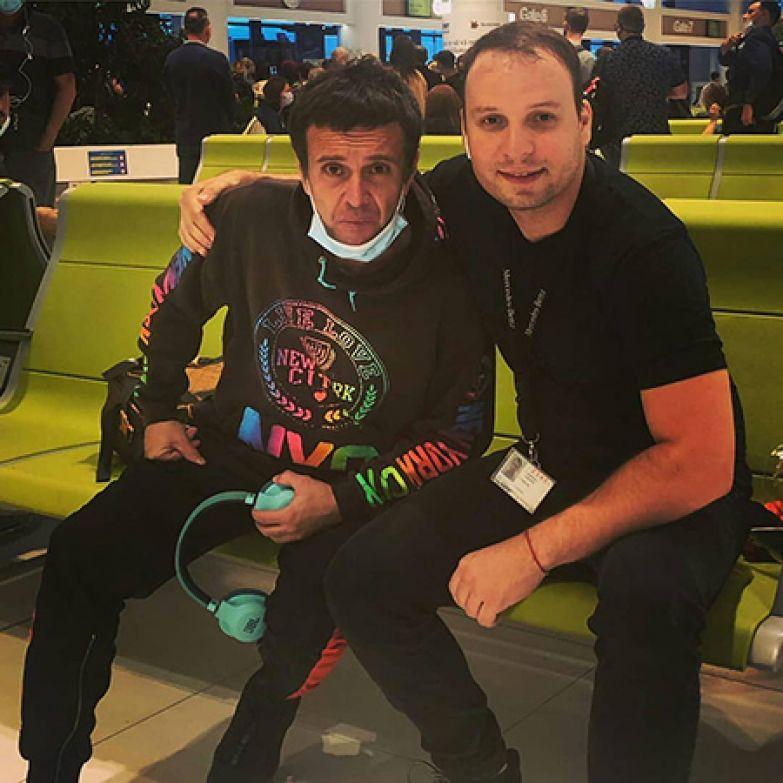Андрей Губин с приятелем