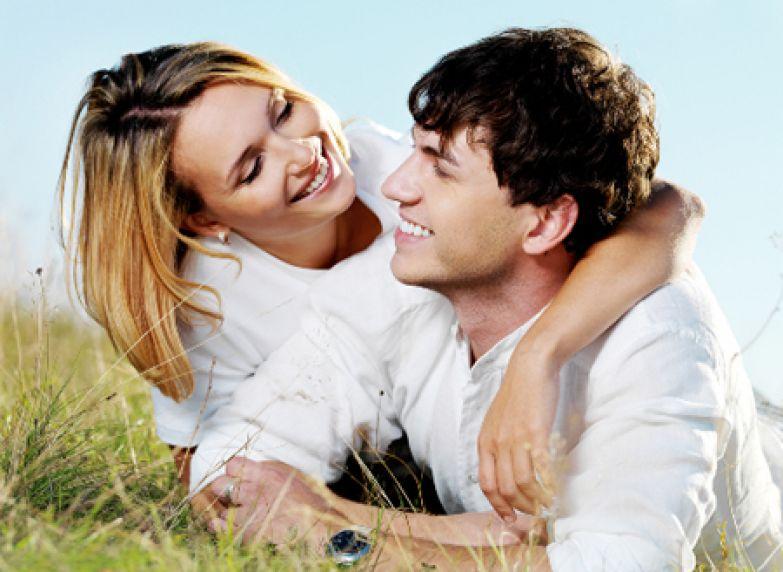 Секс с молодым мужчиной полезен для взрослой женщины