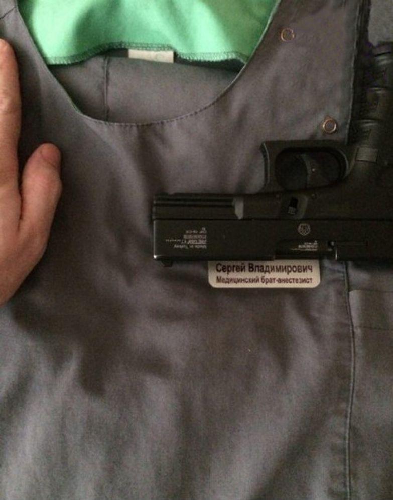 Анонимный пользователь Сети опубликовал фото, доказывающее, что он работает в больнице