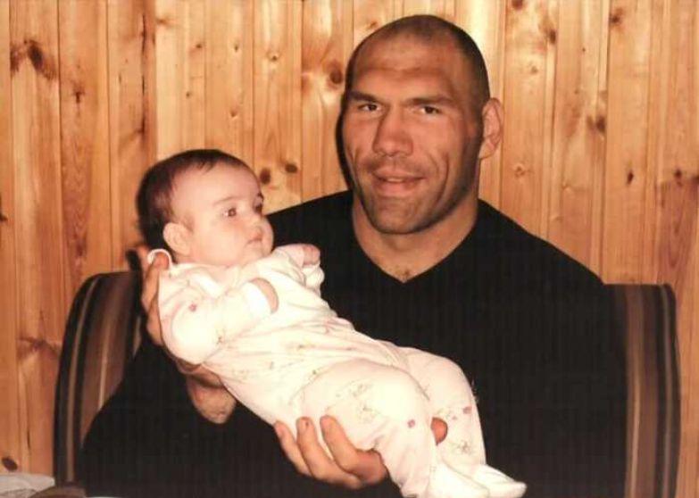 Николай Валуев с дочерью. / Фото: семейный архив