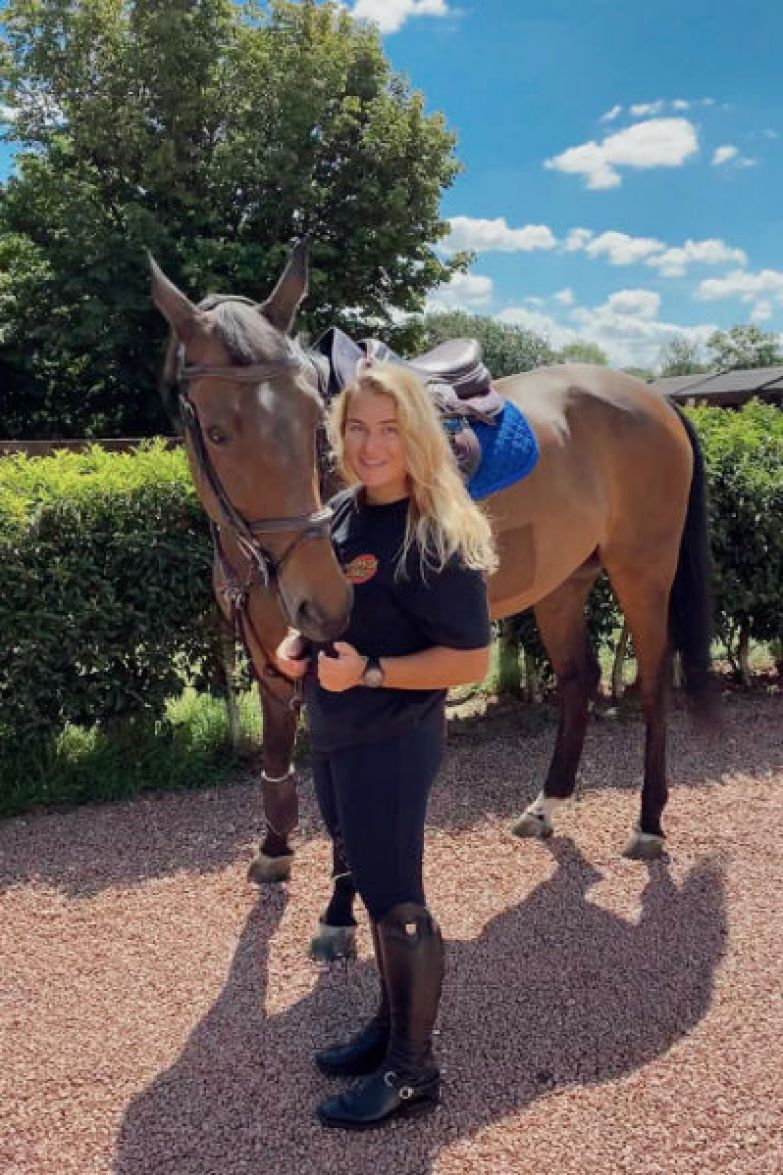 Софья обожает лошадей