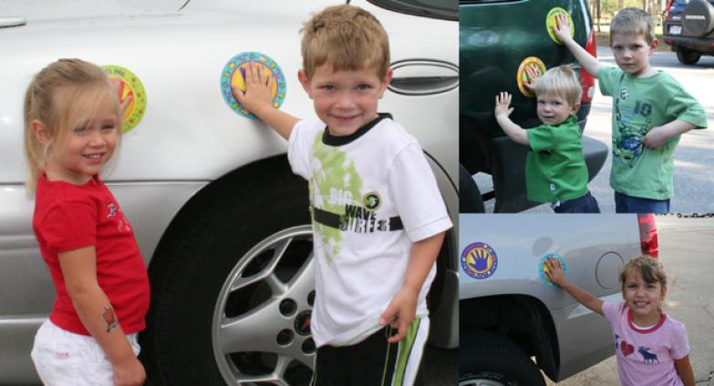 10. Такие наклейки в игровой форме научат детей не разбегаться на парковке дети, подсказки, родители, хитрости
