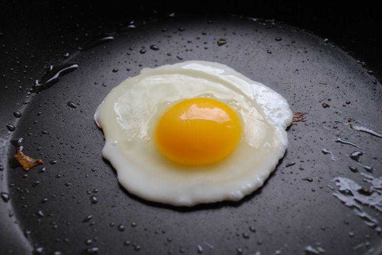 2. В куриных яйцах содержится целый ассортимент витаминов и прочих полезных веществ витамины, еда, интересно, яйца