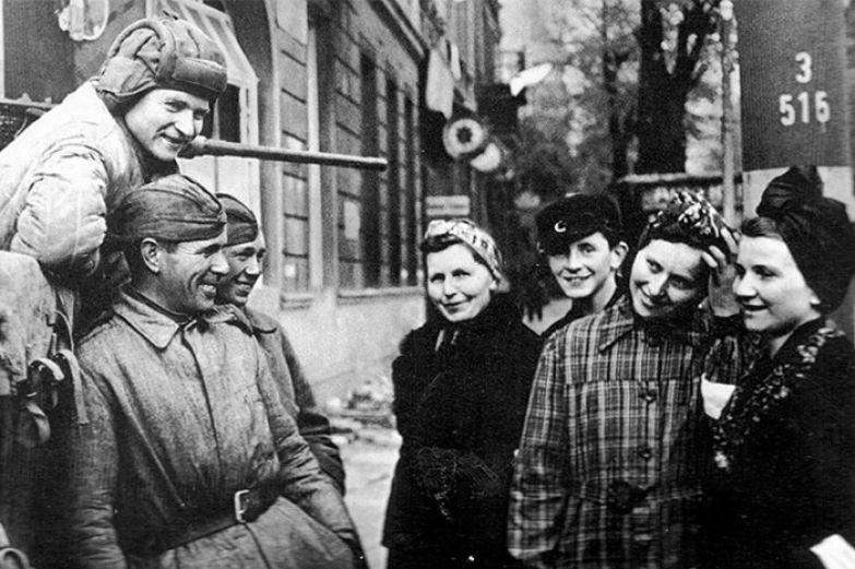 Власти СССР не разрешали своим военнослужащим жениться на женщинах-австрийках. /Фото: s9.stc.all.kpcdn.net