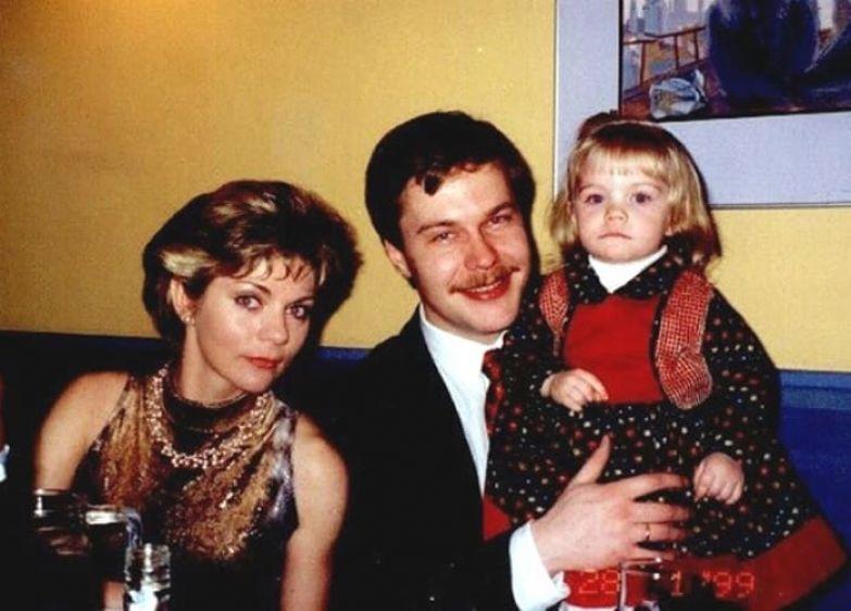 Наталья Мурашкевич с первым мужем и дочерью | Фото: kinopoisk.ru