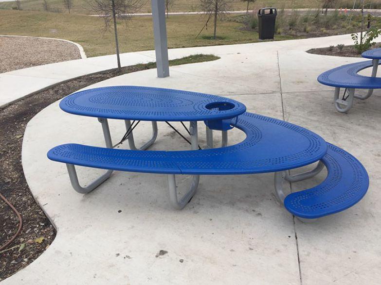 Идеальный стол для семейного пикника! Лавки и стол для взрослых, низкая скамейка и столик для детей и отдельное сиденье для млладенца - три в одном! нестандартно, оригинально, проблемы, решения