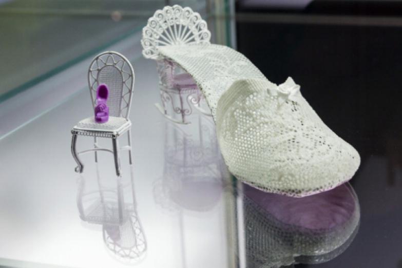 Выставка сумасшедшей обуви «Starker Auftritt: Experimentelles Schuh Дизайн»