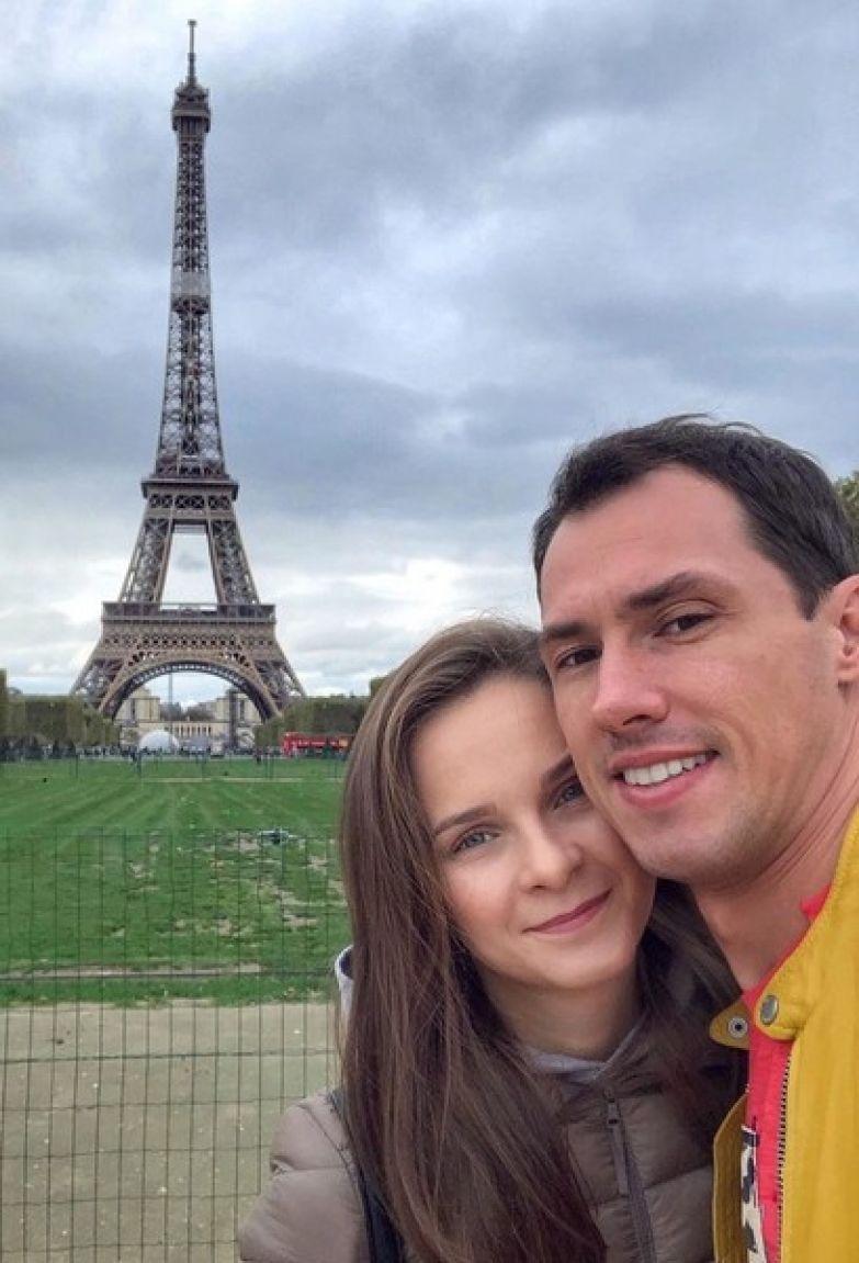 В октябре Тимур ездил с женой в Париж